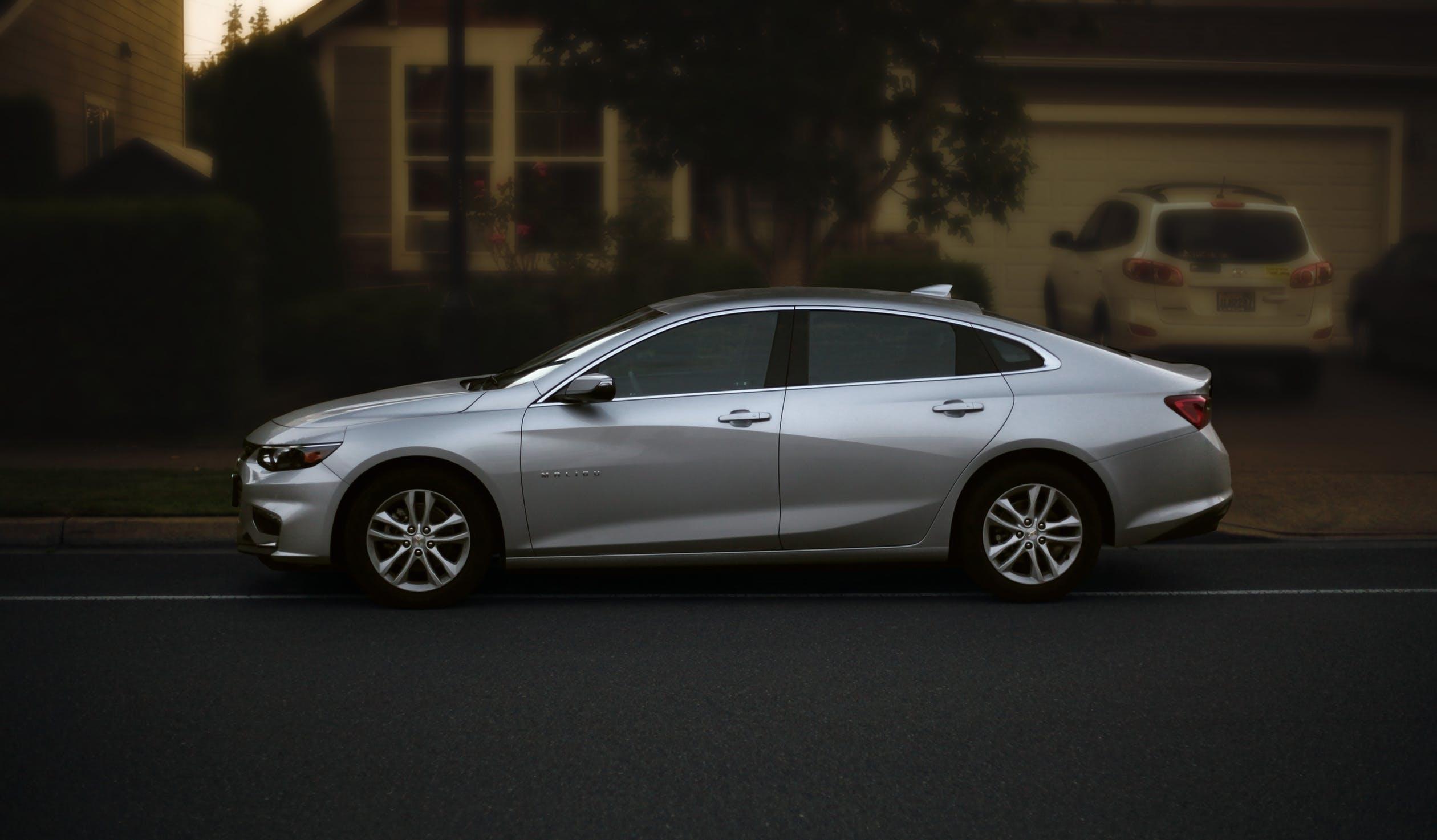 עלות השחרת חלונות לרכב – בואו נחשב את זה