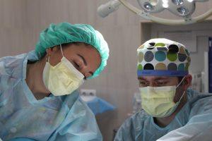 מנתח פלסטי