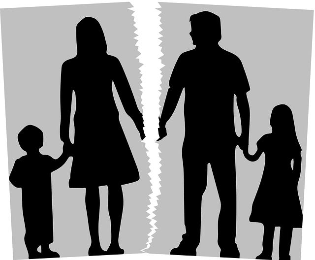 האם חייבים לחייב את הילדים להיפגש עם האבא לאחר גירושים?