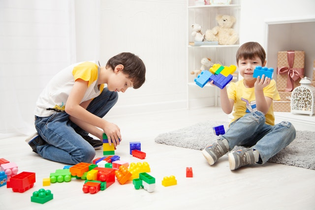 פיתוח חשיבה אצל ילדים באמצעות משחקים