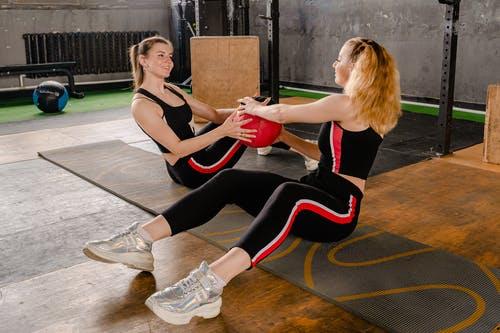 למה חשוב להתאמן עם מזרני ספורט