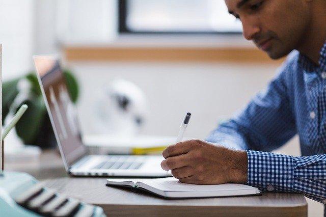 איך לכתוב קורות חיים – כך עושים זאת נכון