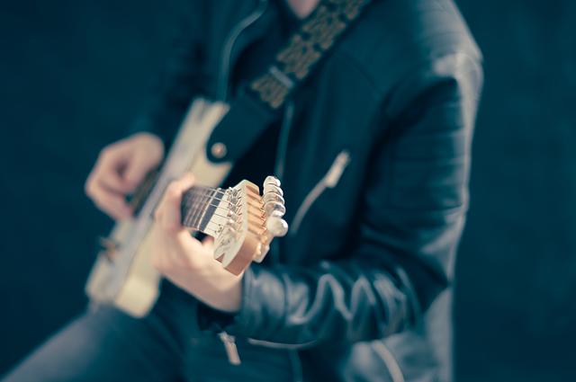 איך מרוויחים כסף ממוסיקה
